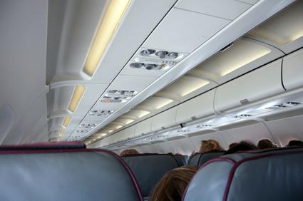Kabine im Flugzeug, wieviel Handgepäck als Kabinengepäck möglich?