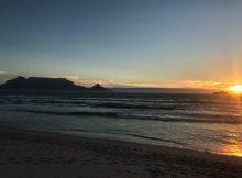 Tafelberg von Dolphin Beach aus