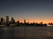 Skyline Manhattan vom Maxwell Place Park