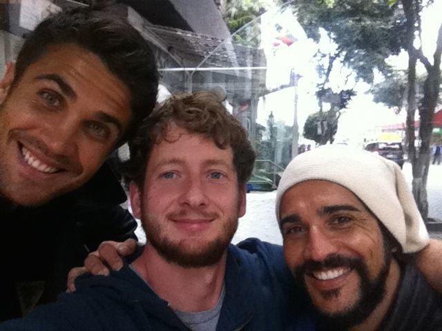 Straßenmusiker aus Freiburg treffen peruanische Telenovela Stars
