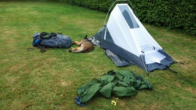 Zelt und Rucksack