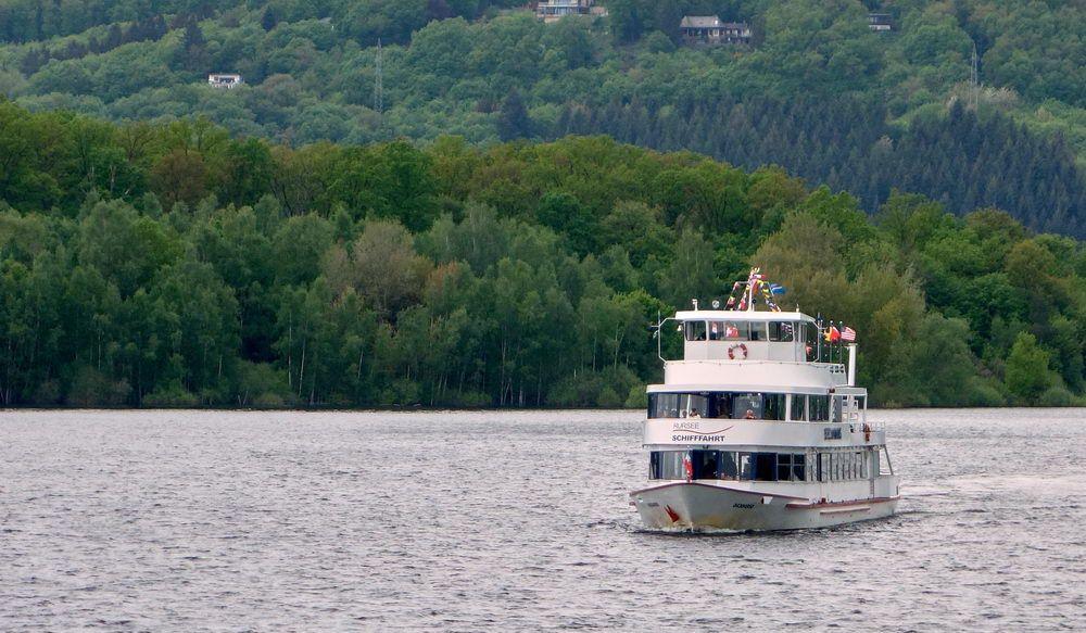 Schifffahrt von Heimbach nach Rurberg