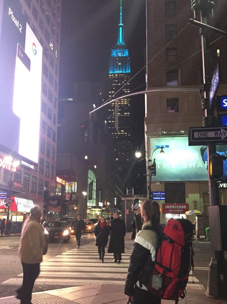 Blick auf das Empire State Building von der 33rd Street