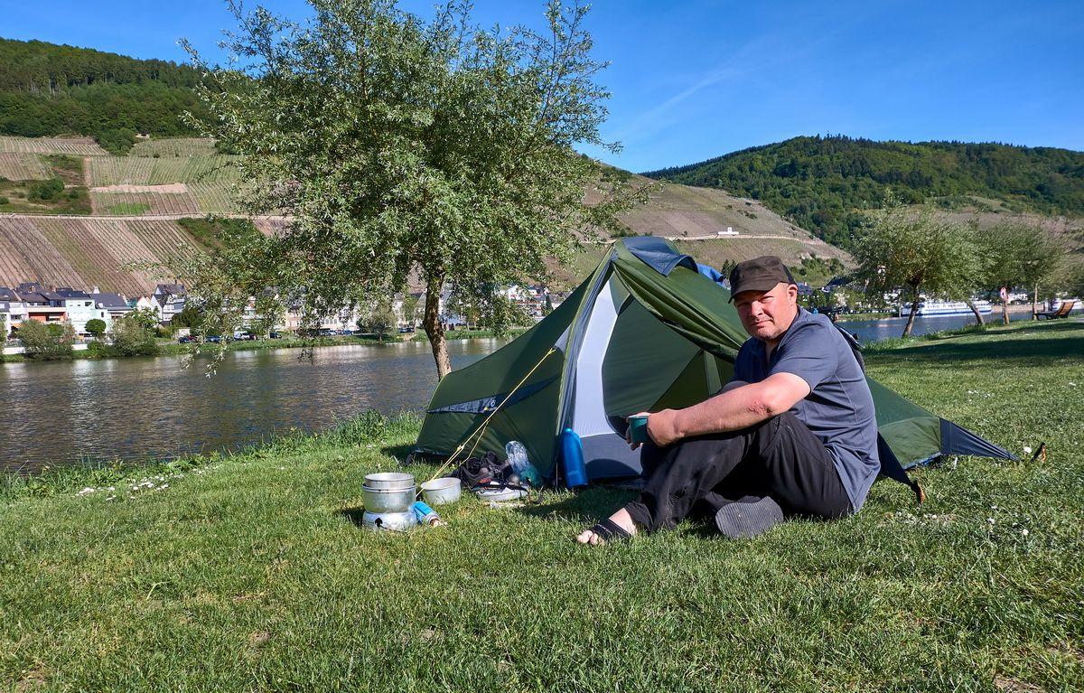 Camping mit dem Trek Escape am Moselufer in Zell