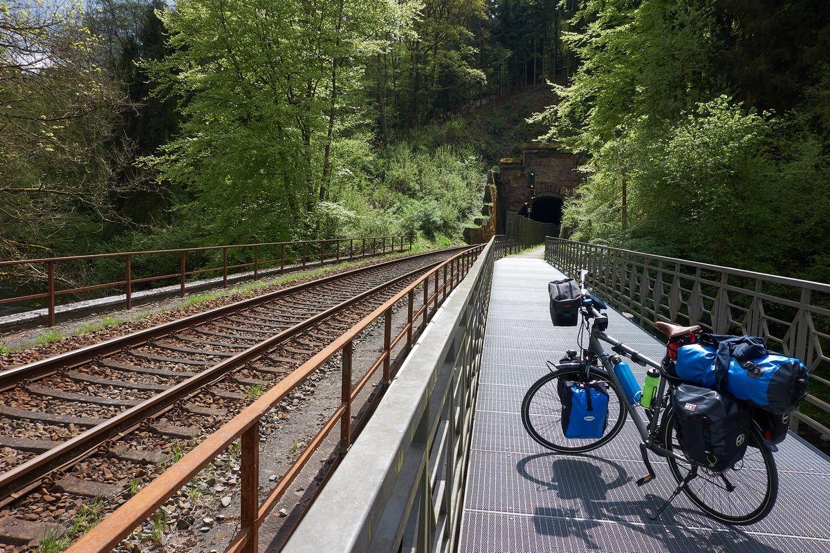 Dechentunnel am Kyllradweg