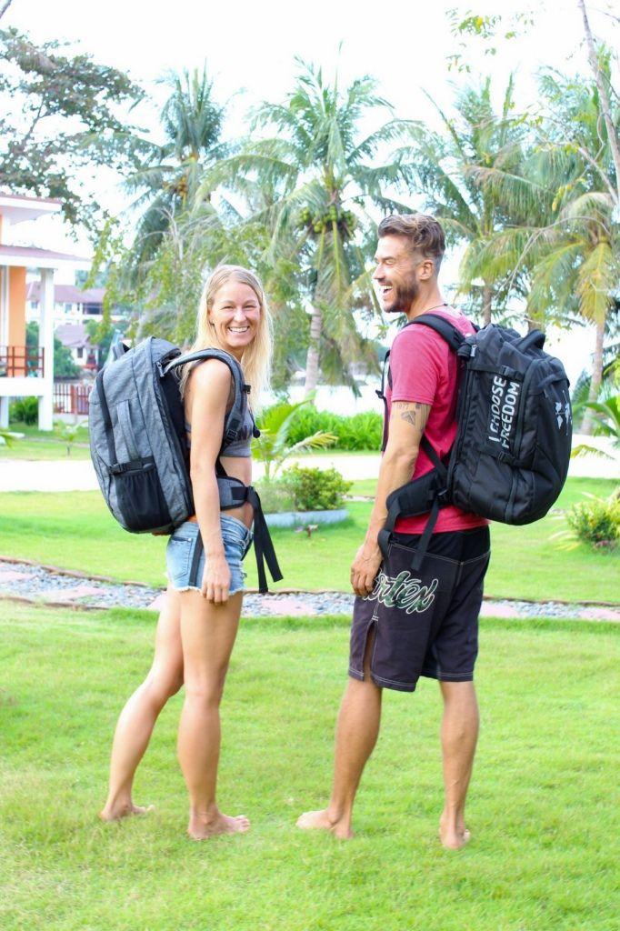 Feli und Marcus mit dem DNX Rucksack
