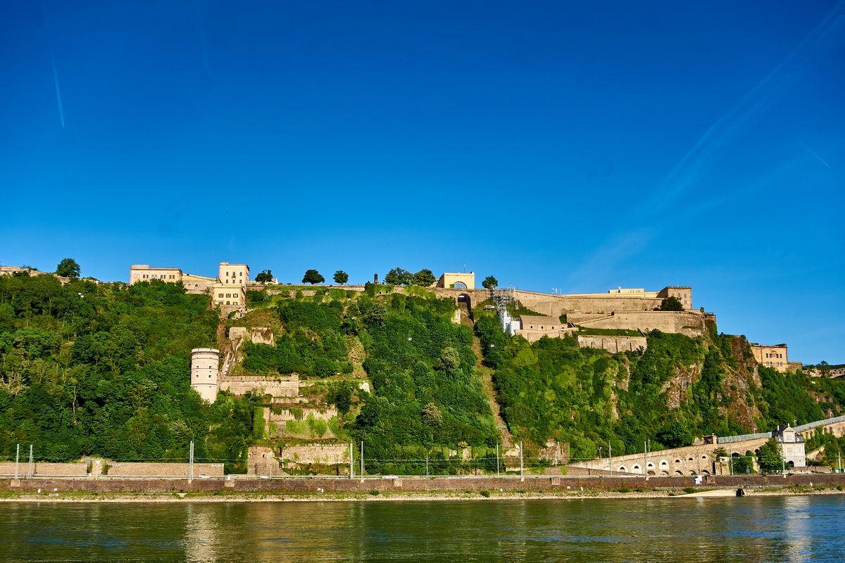 Festung Ehrenbreitstein am Deutschen Eck in Koblenz