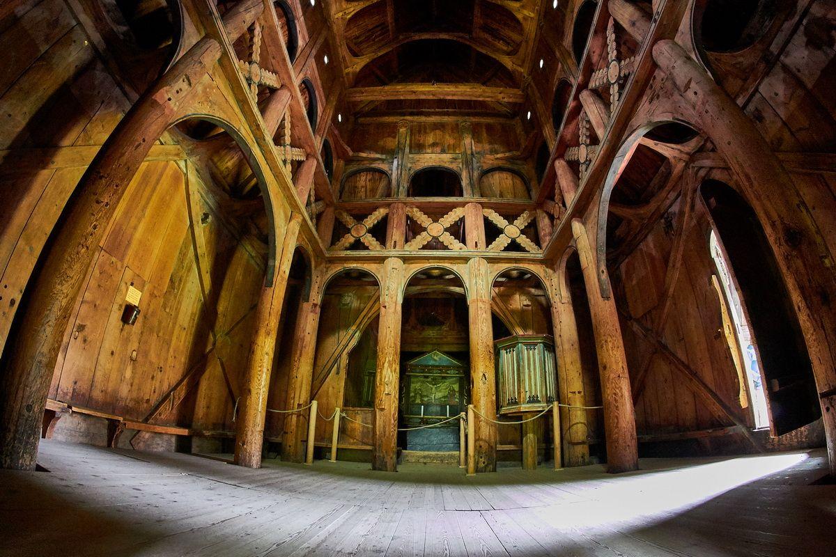 Innenansicht der Stabkirche Borgund