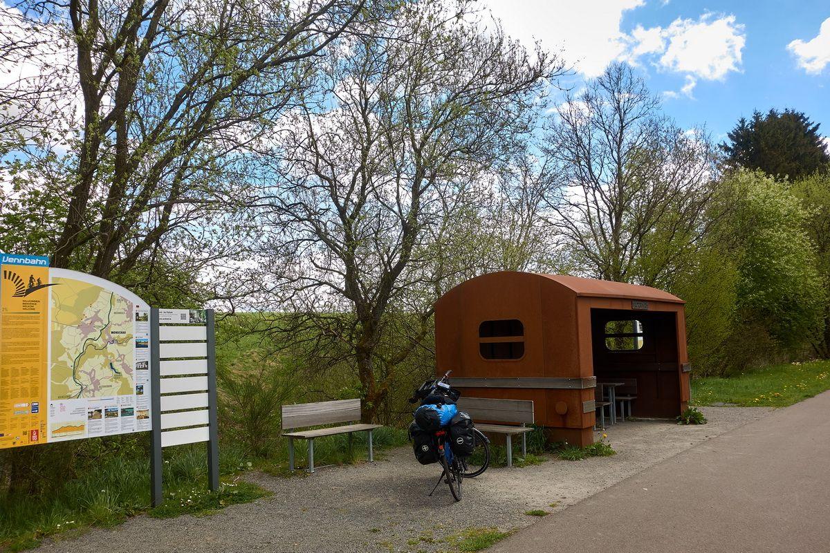 Rastplatz am Vennbahnradweg nahe Monschau