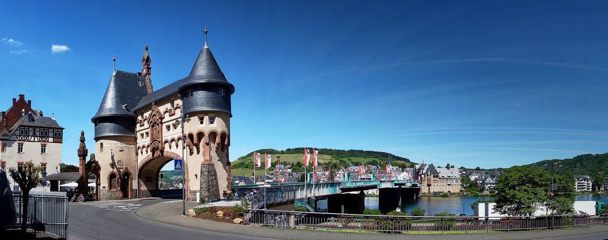 Stadttor und Brücke in Traben-Trarbach