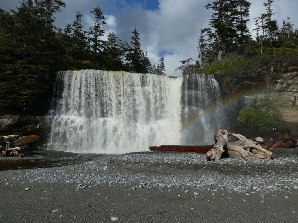 Tsutsiat Wasserfall P1030800