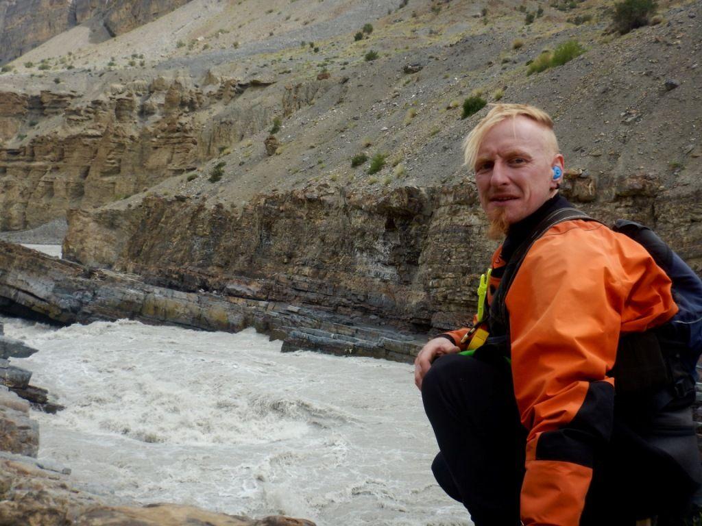 Unfahrbare Stelle beim Kajak Trekking