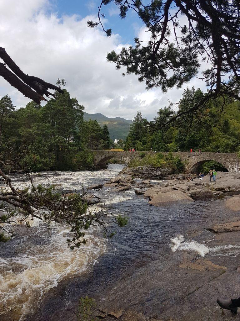 Wasserlauf der Falls of Dochart
