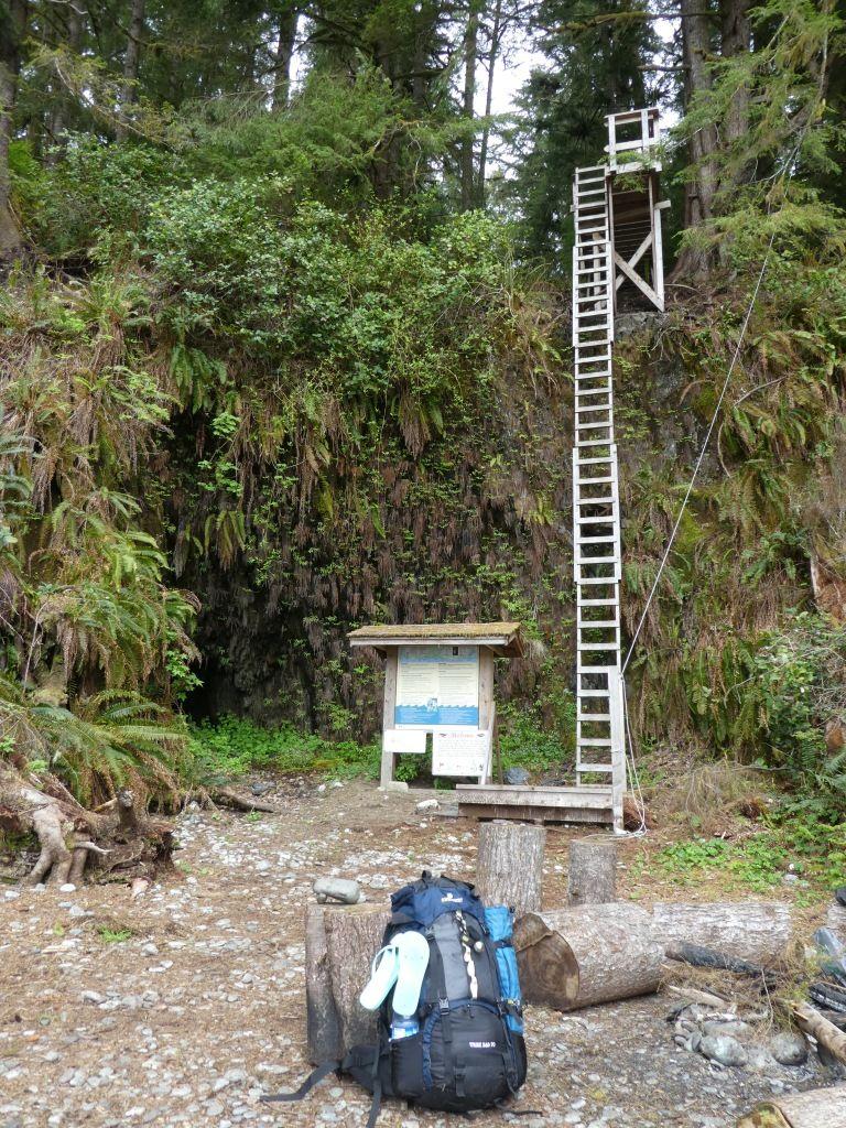 letzte Treppe mit Trekkingrucksack Trek Bag 70 P1030939